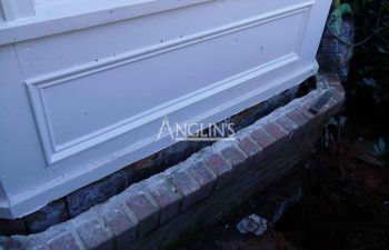 outside bay window wall damaged due to foundation problems