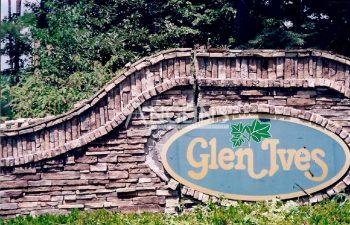 a brick banner of glen ives with a big crack
