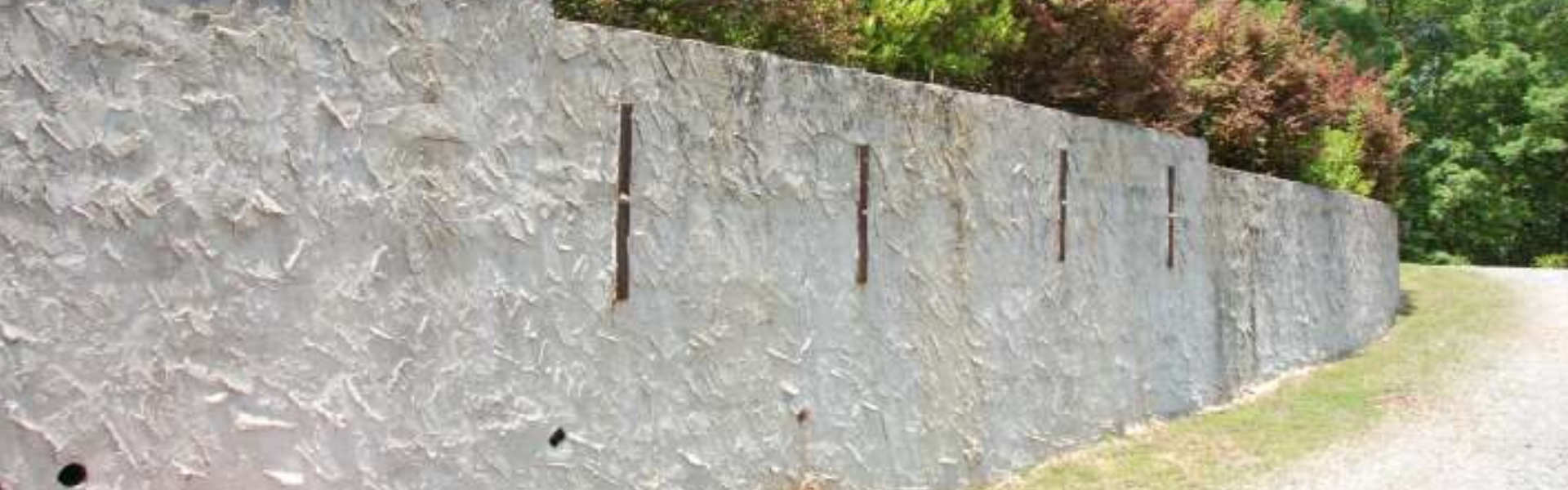 concrete wall with wall anchors